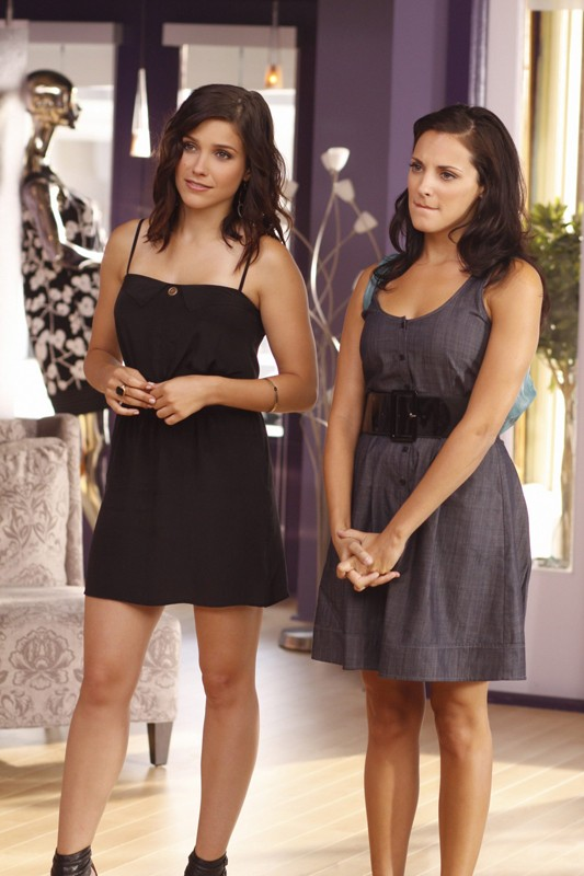 Sophia Bush (Brooke Davis) e Lisa Goldstein (Millicent Huxtable) in una scena dell'episodio What Are You Willing to Lose di One Tree Hill