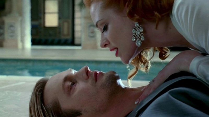 Alexander Skarsgård e Evan Rachel Wood in un'immagine dell'episodio 'Beyond Here Lies Nothin'' della serie tv True Blood