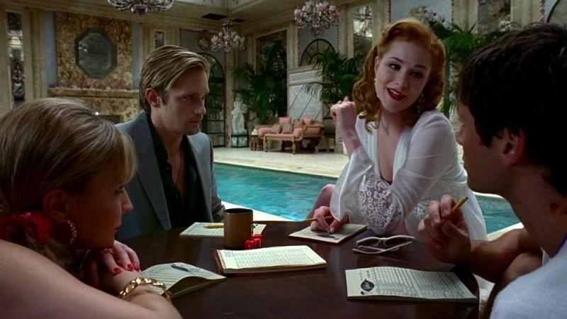 Alexander Skarsgård e Evan Rachel Wood in una scena dell'episodio 'Beyond Here Lies Nothin'' della serie tv True Blood
