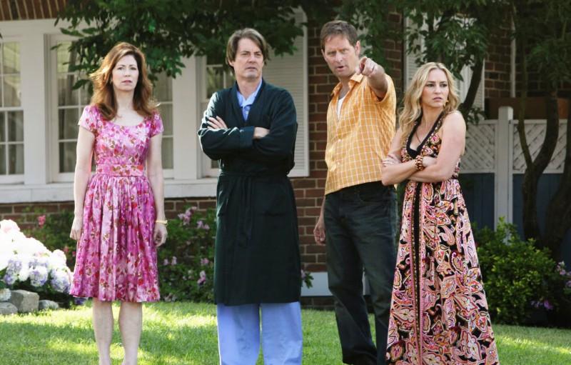 Desperate Housewives: Drea De Matteo e Jeffrey Nordling con Kyle MacLachlan e Dana Delany in Still Alive, episodio della sesta stagione