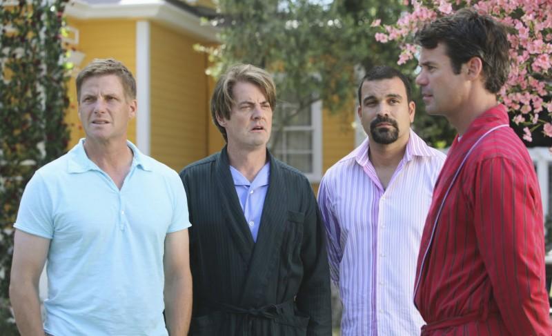 Desperate Housewives: Tuc Watkins, Ricardo Chavira, Doug Savant con Kyle MacLachlan in Still Alive, episodio della sesta stagione