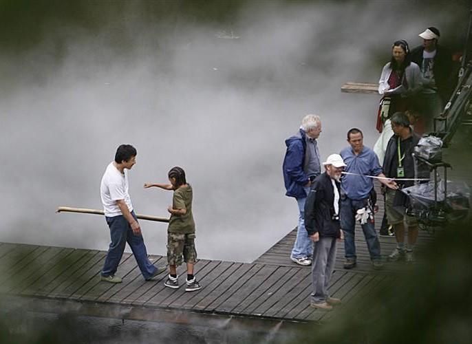 Le prime immagini di Jaden Smith con Jackie Chan sul set di Kung Fu Kid