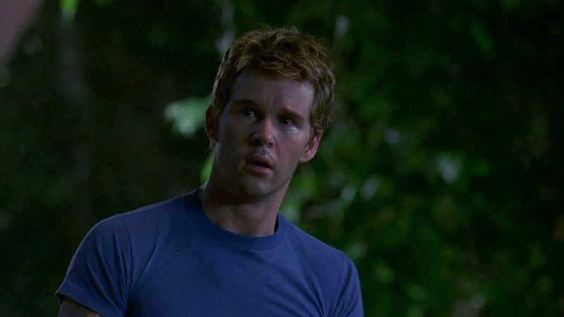 Ryan Kwanten in una scena dell'episodio 'Beyond Here Lies Nothin'' della serie True Blood