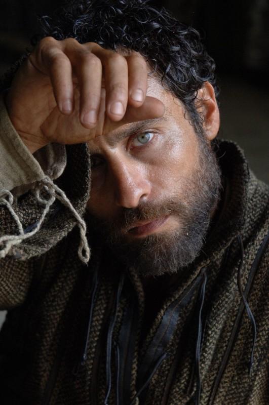 Raz Degan in un'immagine promozionale del film Barbarossa di Renzo Martinelli