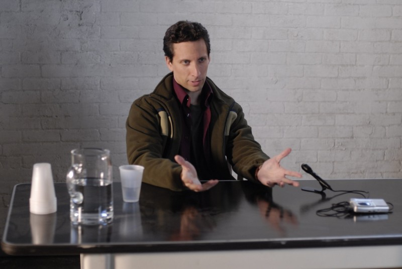 Ben Shenkman in una scena del film Brief Interviews with Hideous Men