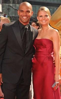Emmy Awards 2009: Amaury Nolasco e Jennifer Morrison sul red carpet