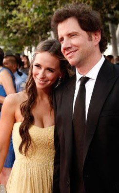 Emmy Awards 2009: Jennifer Love Hewitt accanto a Jamie Kennedy.