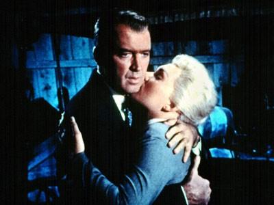 James Stewart e Kim Novak in una scena del film La donna che visse due volte (1958 )