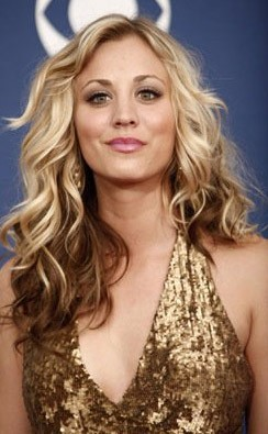 Kaley Cuoco agli Emmy Awards 2009