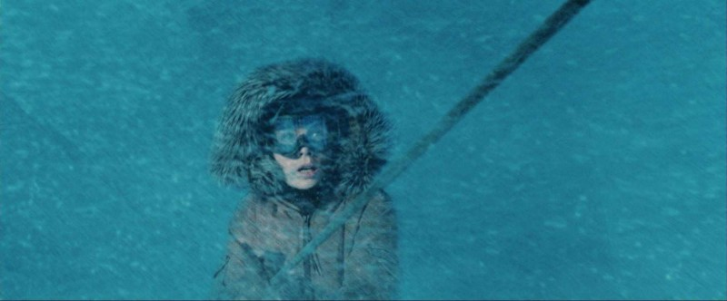 Kate Beckinsale in una scena del thriller Whiteout - Incubo bianco