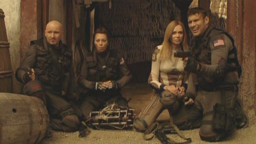 Musetta Vander, Vanessa Angel e Steven Bauer in Planet Raptor