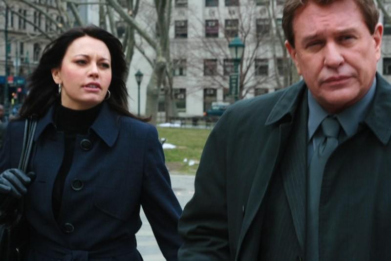 Tom Berenger e Musetta Vander nel film Order of Redemption