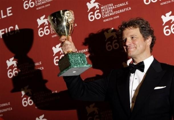 Venezia 2009: Colin Firth con la Coppa Volpi per il suo ruolo in A Single Man