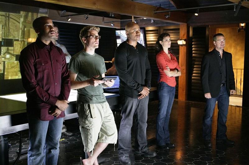 Adam Jamal Craig, Barrett Foa, LL COOL J, Daniela Ruah e Chris O'Donnell nell'episodio Pilota di NCIS: Los Angeles