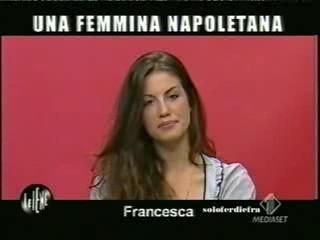 Francesca Fioretti durante un\'intervista doppia Le Iene
