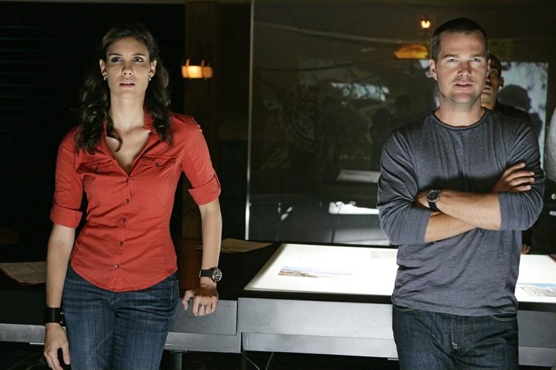 Gli Agenti Kensi Lo (Daniela Ruah) e G. Callen (Chris O'Donnell) nell'episodio Pilota della nuova serie tv NCIS: Los Angeles