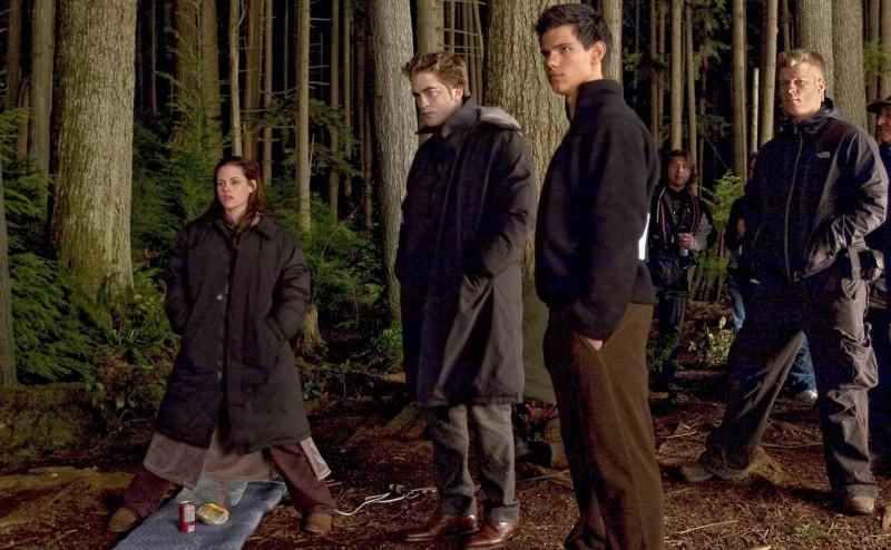 Kristen Stewart, Robert Pattinson e Taylor Lautner sul set di New Moon, diretto da Chris Weitz