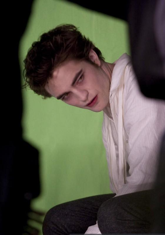 Robert Pattinson sul set di The Twilight Saga: New Moon (foto: David Strick per il Los Angeles Times)