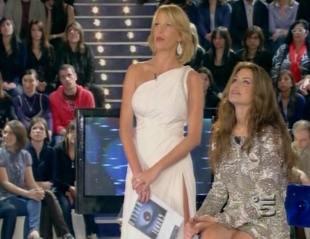 Francesca Fioretti con Alessia Marcuzzi in studio durante la finale del GF9