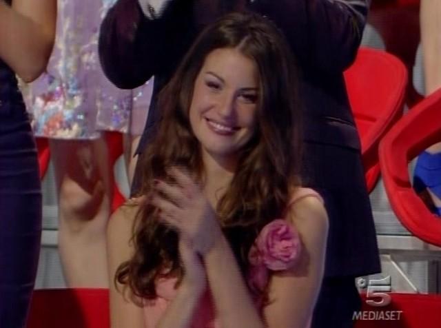 Grande Fratello 9: Francesca Fioretti applaude Ferdi che torna in studio da vincitore