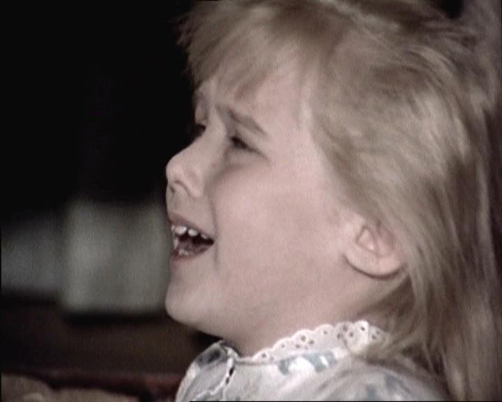 Melody Thomas Scott interpreta la piccola Marnie nel film del 1964