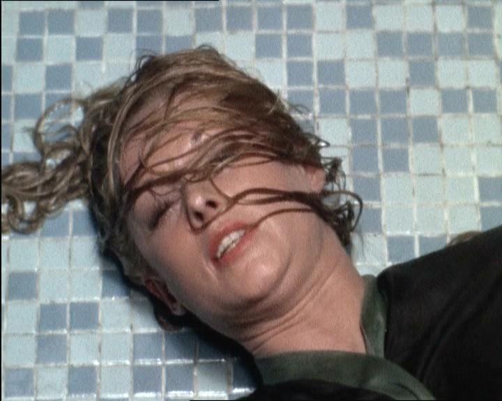 Tippi Hedren salvata dal suicidio in una scena del film Marnie ( 1964 )