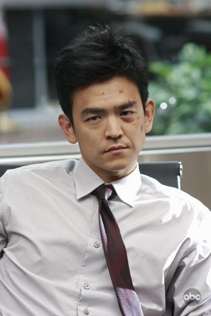 John Cho nell'episodio White To Play di FlashForward