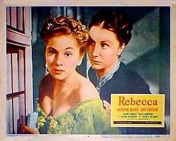 Joan Fontaine e Judith Anderson in una lobbycard promozionale del film Rebecca, la prima moglie