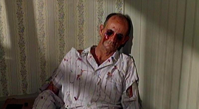 La terribile morte di John McGovern nel film Gli uccelli ( 1963 )