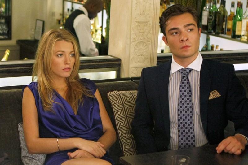 Serena (Blake Lively) Chuck Bass (Ed Westwick) in una sequenza dell'episodio The Freshman di Gossip Girl