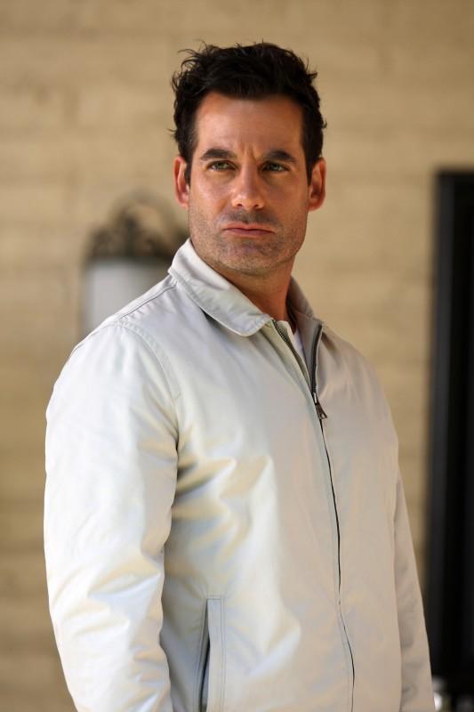 Adrian Pasdar in una scena da Acceptance dalla quarta stagione di Heroes