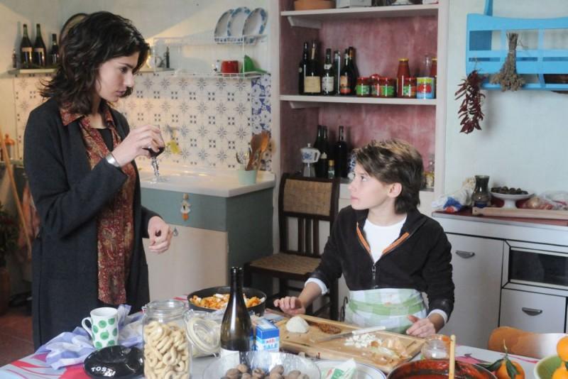Anna Valle e Celeste Cuppone in una scena della serie tv Nebbie e delitti