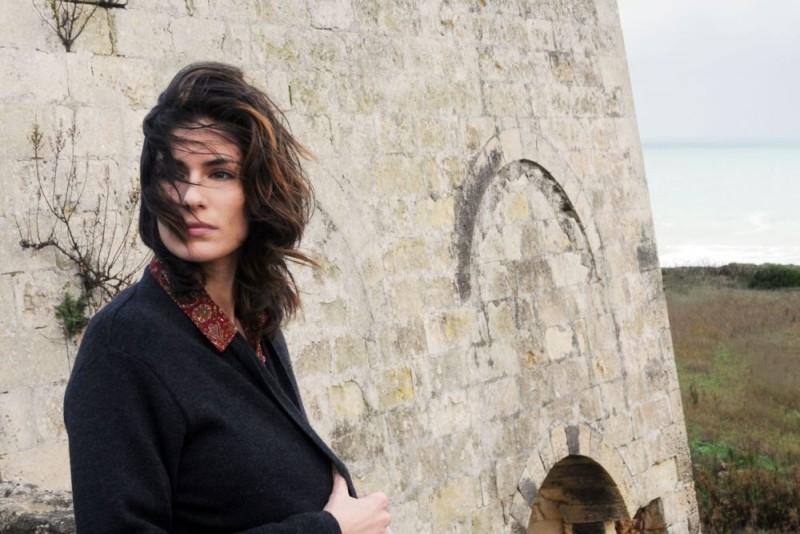 Anna Valle in un'immagine della serie Nebbie e delitti