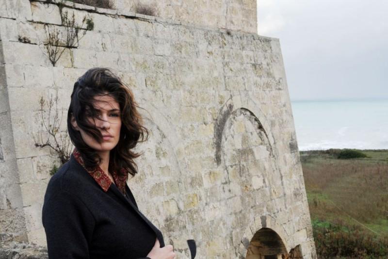 Anna Valle in un'immagine della terza stagione della serie Nebbie e delitti