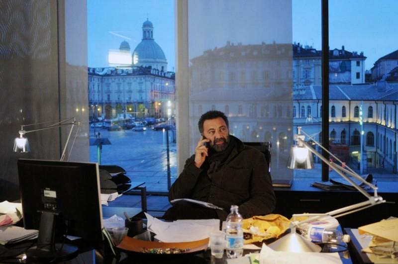 Luca Barbareschi è il protagonista della serie tv Nebbie e delitti giunta alla terza stagione