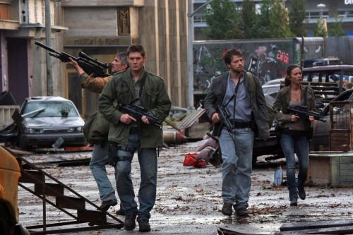 Jensen Ackles e Misha Collins in una scena dell'episodio The End di Supernatural