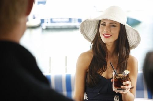 Jessica Lowndes in una scena dell'episodio Sit Down, You're Rocking the Boat di 90210