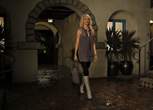Josie Bissett in una scena dell'episodio Vine di Melrose Place