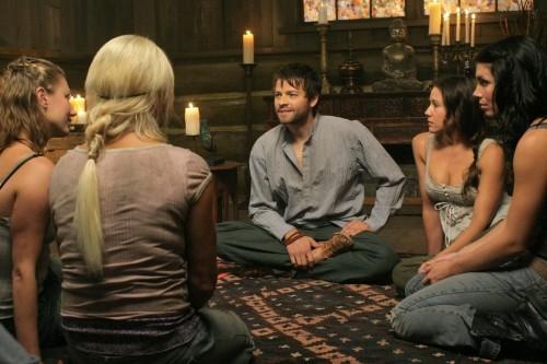 Misha Collins in una scena dell'episodio The End di Supernatural