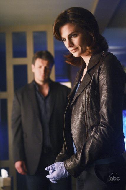 Stana Katic e Nathan Fillion in una scena dell'episodio The Double Down di Castle