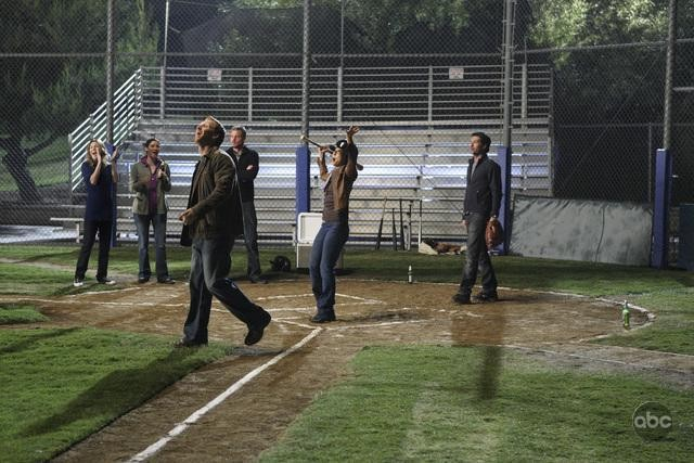 Un momento dell'episodio I Always Feel Like Somebody's Watchin' Me di Grey's Anatomy