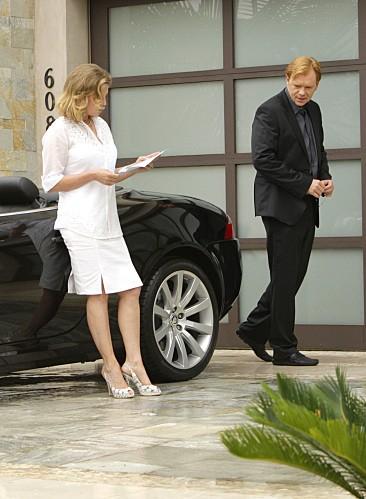 Cheryl Ladd e David Caruso in una scena dell'episodio Bolt Action di CSI Miami