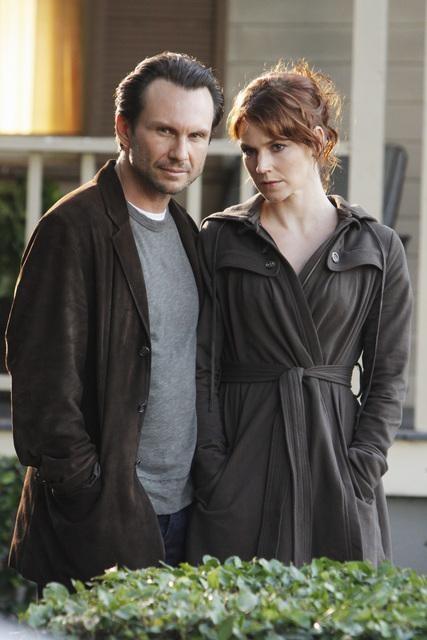 Christian Slater ed Heather Stephens nell'episodio Diamond Jane della serie The Forgotten