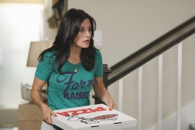 Courteney Cox in una immagine dell'episodio I Won't Back Down di Cougar Town