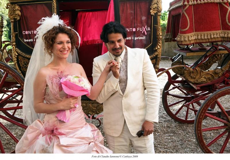 Dario Bandiera in una sequenza della commedia Oggi Sposi