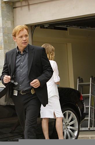 David Caruso in una scena dell'episodio Bolt Action di CSI Miami