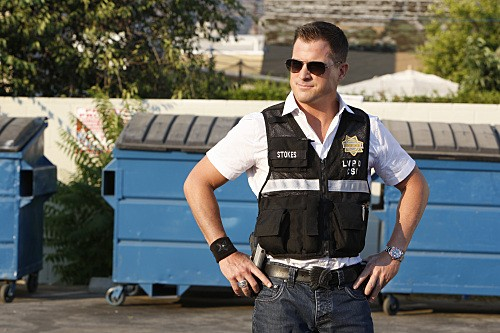 George Eads una scena dell'episodio Coup de Grace di CSI