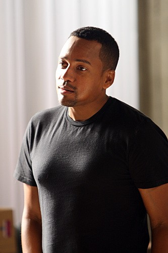 Hill Harper in una scena dell'episodio Epilogue di CSI New York