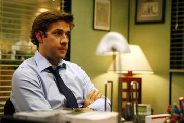 John Krasinski in una scena dell'episodio The Meeting della serie The Office