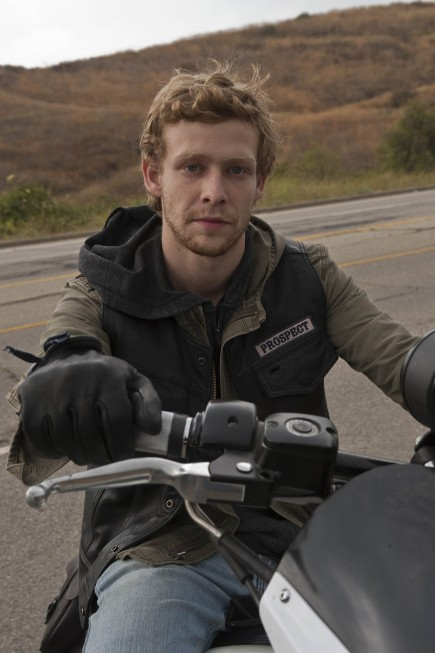 Johnny Lewis in un momento dell'episodio Fix di Sons of Anarchy